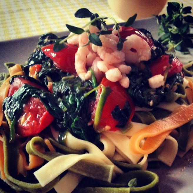 pasta,prawns,spinach,tomatoes