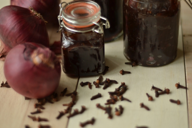 Red onion marmalade recipe, red onion marmalade storage, red onion marmalade tips
