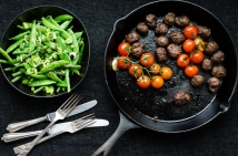 Meatballs with greens (1 of 1)