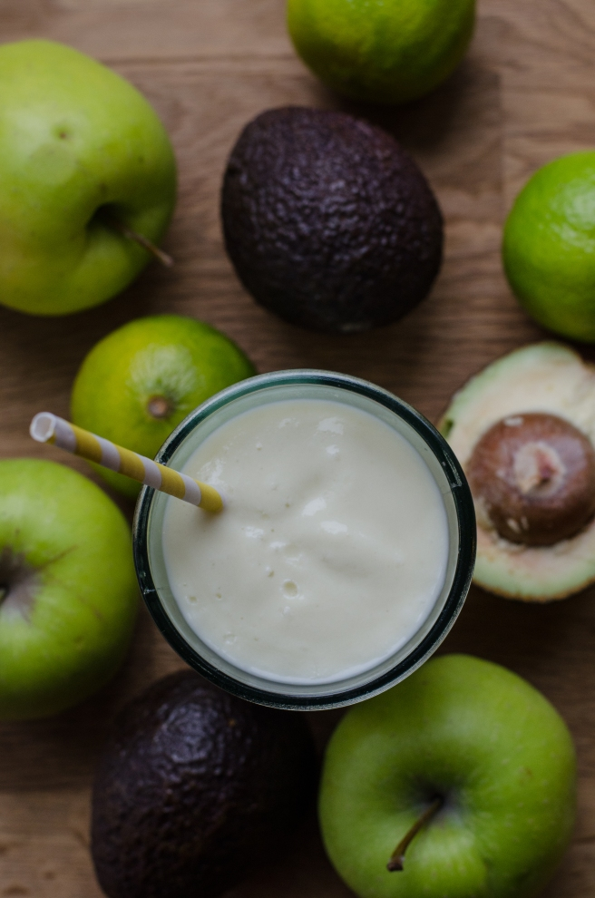 Apple and Avocado Smoothie