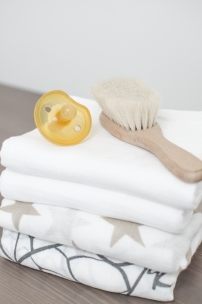 Natursutten Pacifier & Wooden Baby Brush